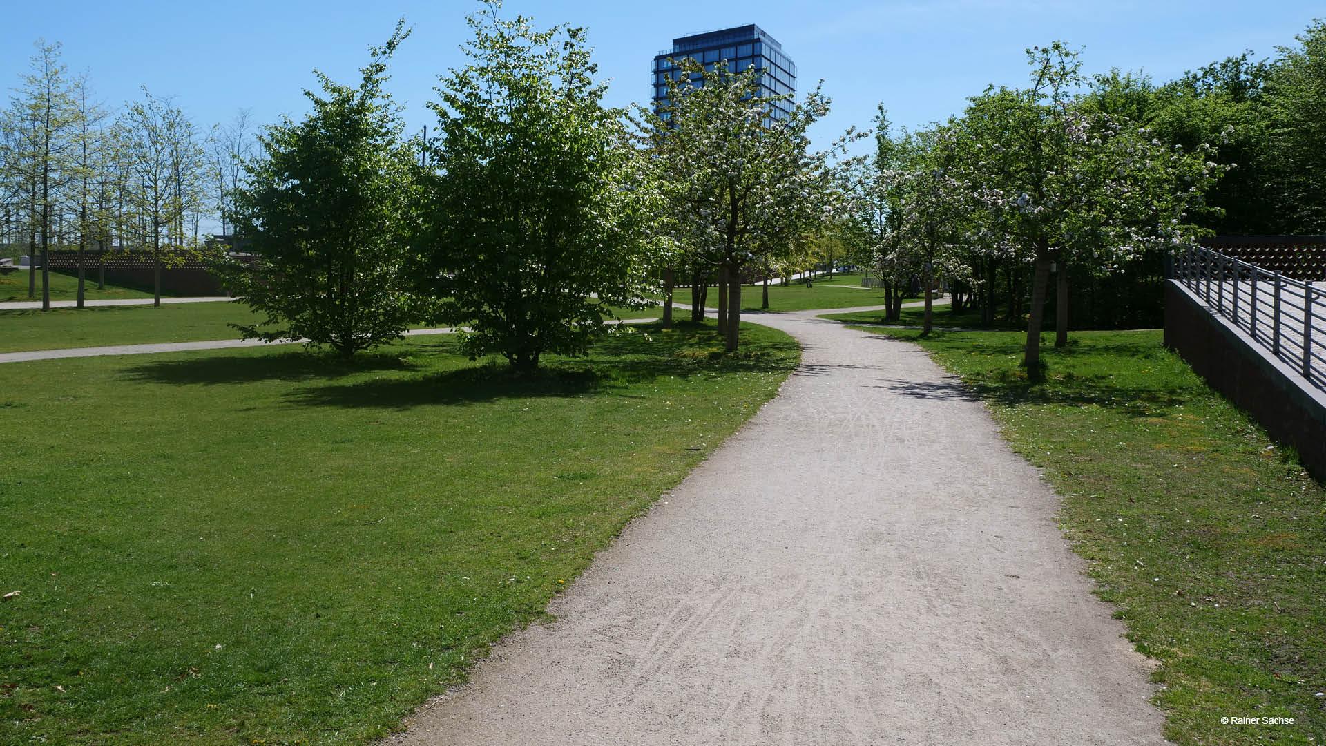 Der Losepark mitten im Neubauquartier